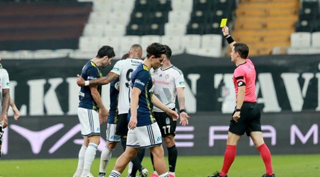Fenerbahçe ile Beşiktaşın son 22 maçında 147 kart gösterildi