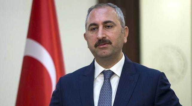 Bakan Gül: Türk yargısı darbeci hainlerden hesap sormaya devam ediyor