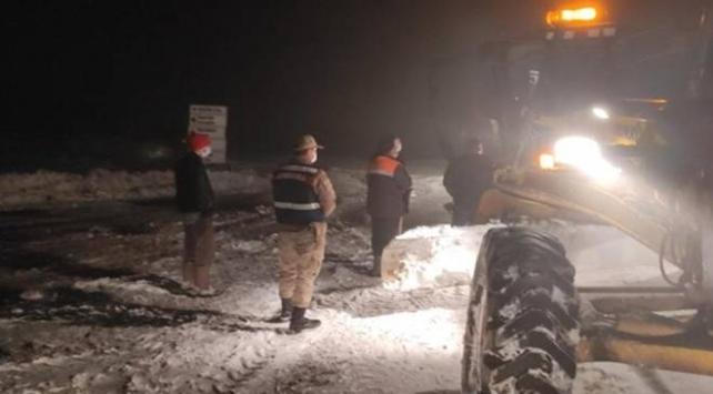 Trabzonda kar yağışı nedeniyle yaylada mahsur kalanlar kurtarıldı