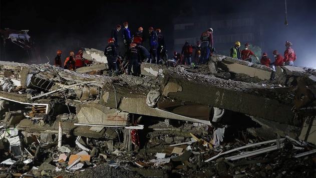 AFAD: İzmirdeki depremin ardından 2 kişinin tedavisi sürüyor
