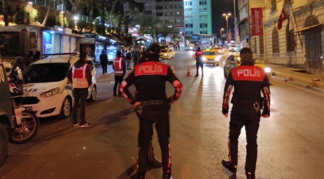 İstanbulda asayiş uygulaması: 411 bin lira para cezası kesildi