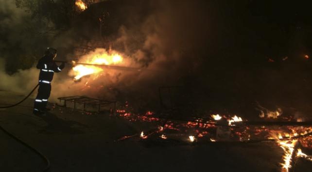 Ankarada bir gecekonduda yangın
