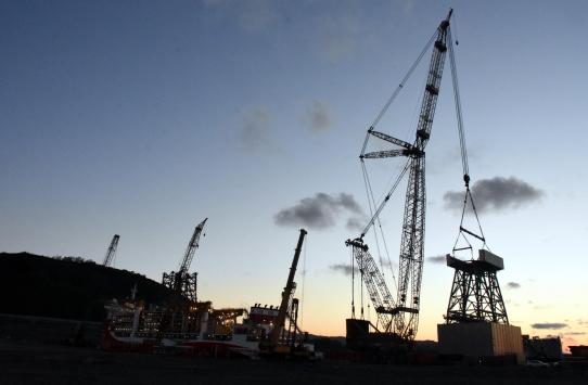 """""""Kanuni"""" sondaj gemisinin kule montajına başlandı"""