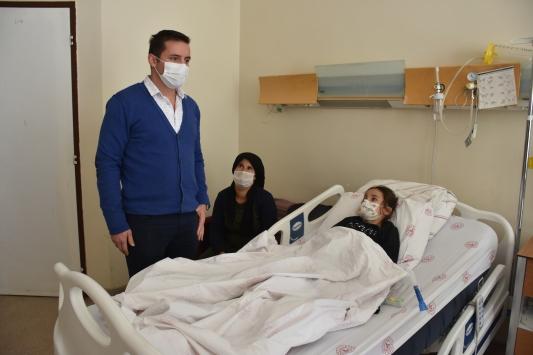 Şırnakta böbreğinde 2 santimetrelik taş çıkarılan 10 yaşındaki çocuk sağlığına kavuştu