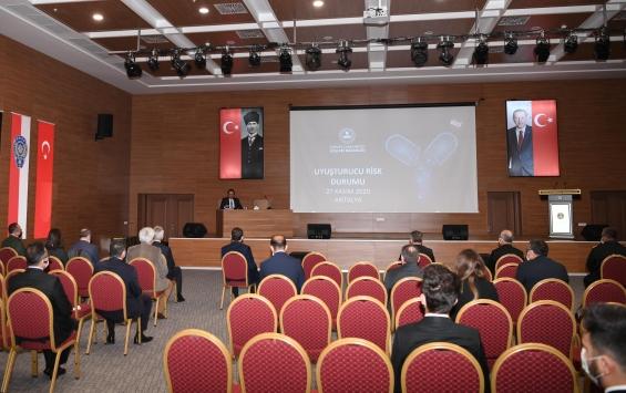 Antalyada uyuşturucu ile mücadelede risk durumu değerlendirme toplantısı yapıldı