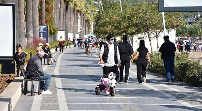 Muğlada yabancı turistler sokağa çıkma kısıtlamasından muaf