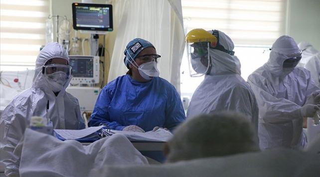 Türkiyede koronavirüsten ölenlerin sayısı en yüksek seviyede