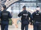 Fransa'daki ırkçı şiddet uygulayan polisler gözaltında