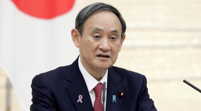 Japonya Başbakanı Suga: Salgının yayılımını durdurmayı başarmalıyız