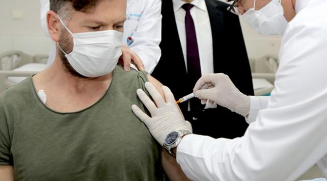 COVID-19 aşısı vaka sayılarını tersine çevirecek