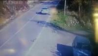 Yavru köpeğe çarpan sürücü yoluna devam etti