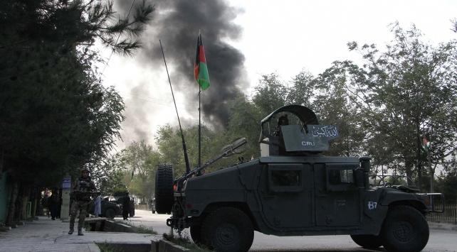 Afganistanda bombalı araç saldırısı: 31 ölü