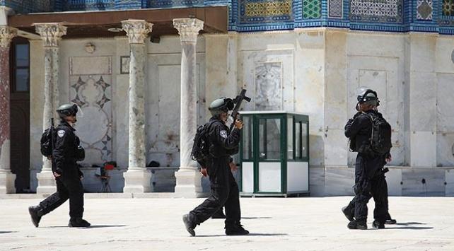 İsrail, Mescid-i Aksaya ulaştıran tarihi merdiveni yıktı
