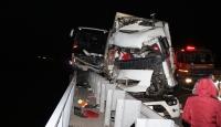Adana'da yolcu otobüsü ile tır çarpıştı: 4 yaralı
