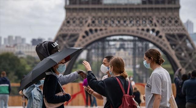 Fransada son 24 saatte 9 bin 784 yeni vaka