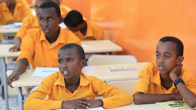 Katardan Somalideki 57 bin 600 çocuğa eğitim imkanı