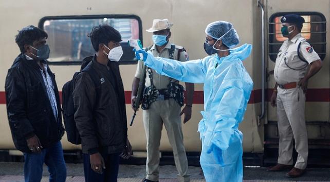 Hindistanda 443 kişi daha koronavirüsten öldü