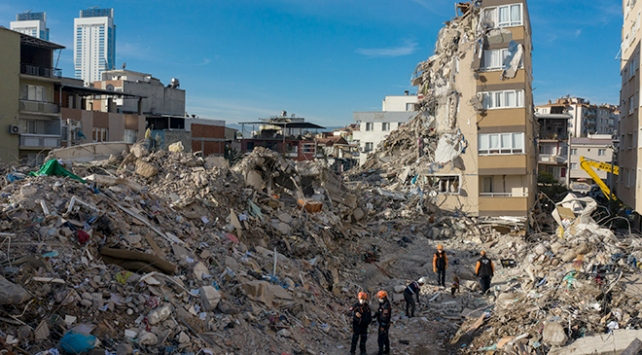 İzmirde bir ayda 5 bin 68 artçı meydana geldi