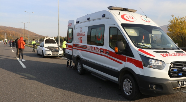 Düzcede otomobil yayaya çarptı: 1 ölü, 2 yaralı