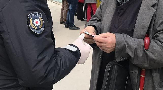 Erzincanda COVID-19 tedbirlerine uymayan 22 kişiye ceza