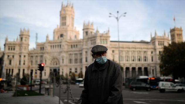 İspanyada COVID-19dan son 3 günde 401 kişi öldü
