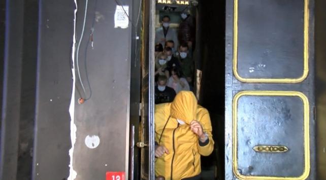 İstanbulda izinsiz eğlence: 40 kişiye 120 bin lira ceza
