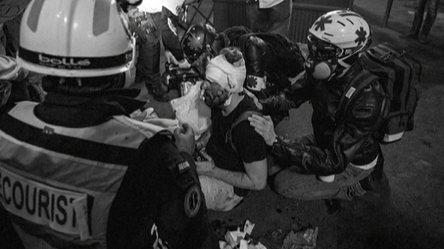 Fransa'da Suriyeli gazeteciye polis şiddeti