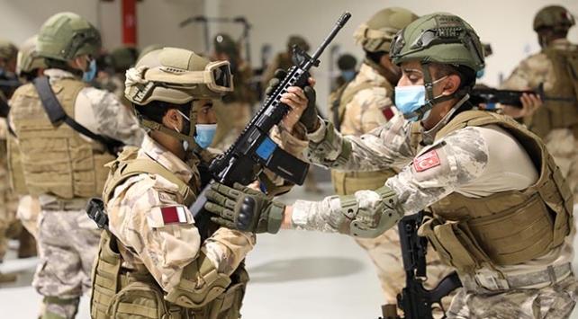 MSBden Katar Özel Kuvvetler Komutanlığında görevli komandolara eğitim