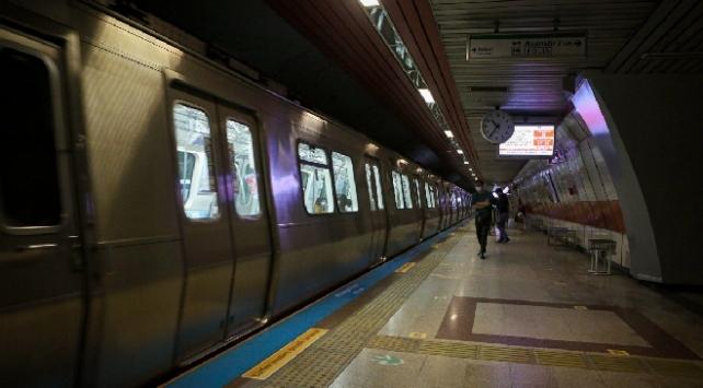 Metro İstanbulda sefer saati düzenlemesi