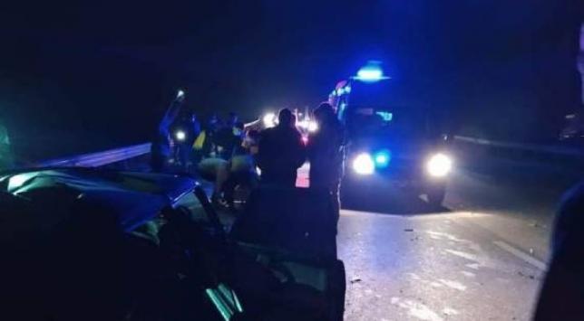 Gaziantepte tır park halindeki otomobile çarptı: 1 ölü, 3 yaralı