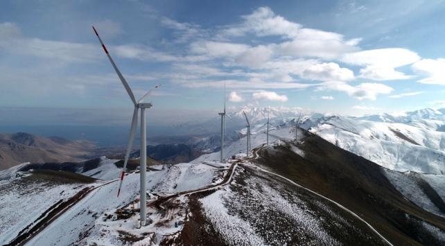 Türkiyenin en yüksek rakımlı Rüzgar Enerji Santrali Vanda kuruldu