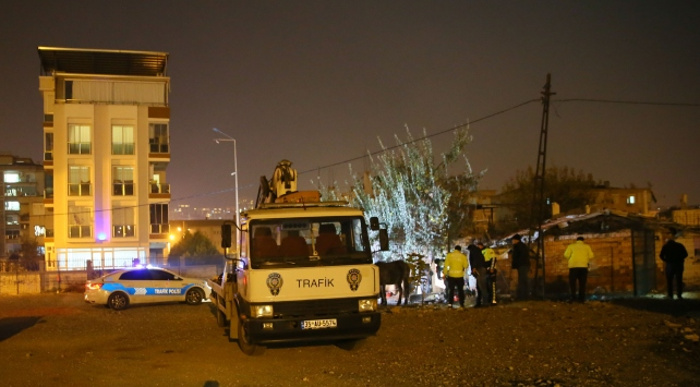 Türk Polis Teşkilatı Güçlendirme Vakfı Otoparkına ateş açıldı