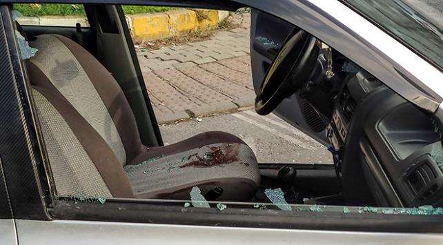 Seyir halindeki otomobil sürücüsüne silahlı saldırı: 1 yaralı