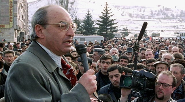 Ermenistanda muhalefetin geçici başbakan adayı belli oldu