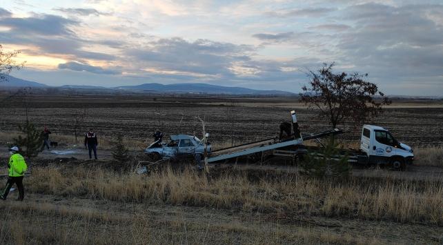 Konyada otomobil şarampole devrildi: 1 ölü, 1 yaralı