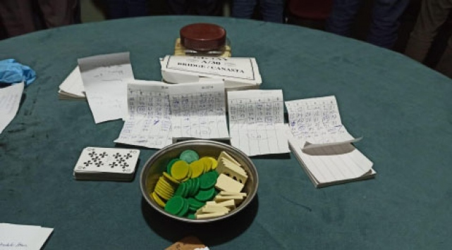 Ardahanda evde kumar oynayan 12 kişiye para cezası