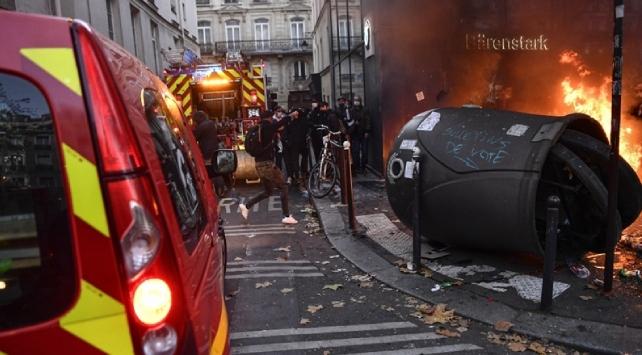 BM Raportörleri: Fransadaki güvenlik yasa tasarısı kapsamlı bir şekilde revize edilmeli