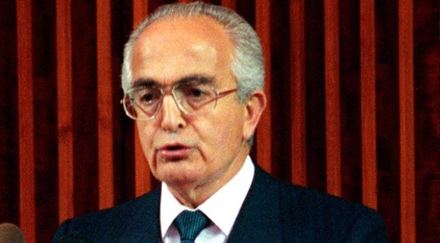 Eski bakan Nevzat Ayaz hayatını kaybetti