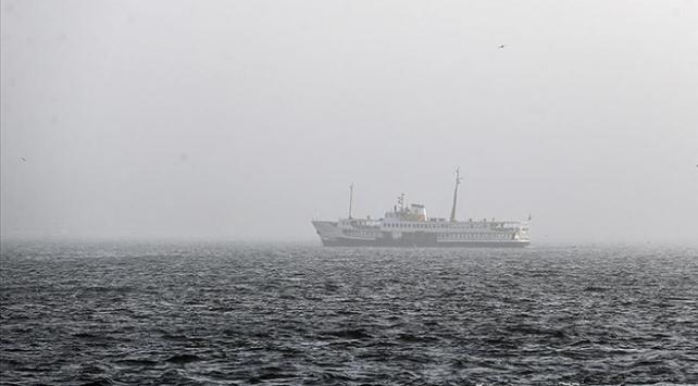 İstanbul Boğazında gemi geçişlerine sis engeli