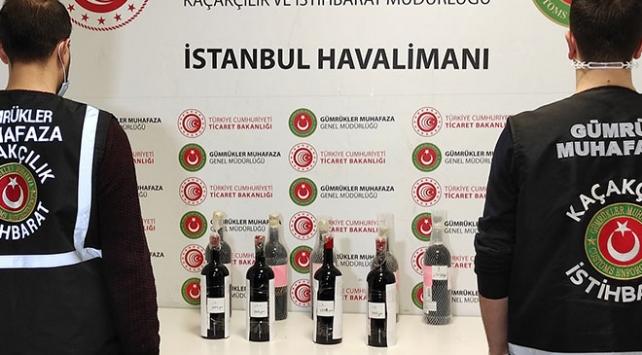 İstanbul Havalimanında içki şişelerinde sıvı kokain ele geçirildi