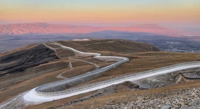 Bakan Soylu: Ağrı-İran sınırında 81 kilometrelik güvenlik duvarı tamamlandı
