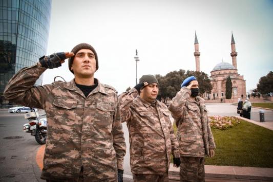 Azerbaycandaki cami, kilise ve sinagoglarda şehitler için dua edildi