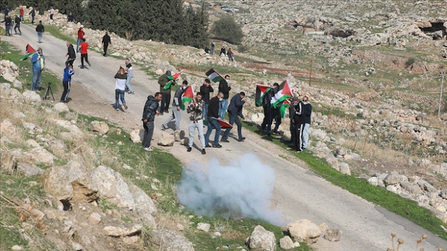 İsrail güçleri Batı Şeriada biri çocuk 5 Filistinliyi yaraladı
