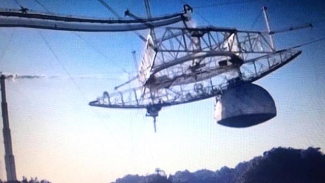 57 yıllık dev teleskobun yıkılma anı drone ile görüntülendi