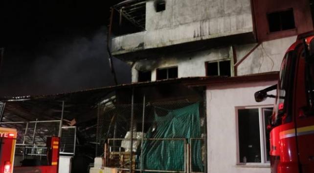 Denizlide fabrika yangını