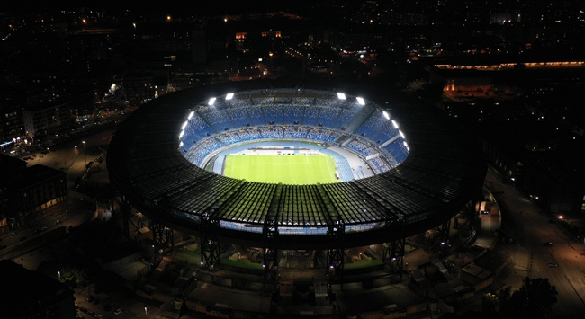 "Napoli stadına ""Diego Armando Maradona"" ismi verildi"