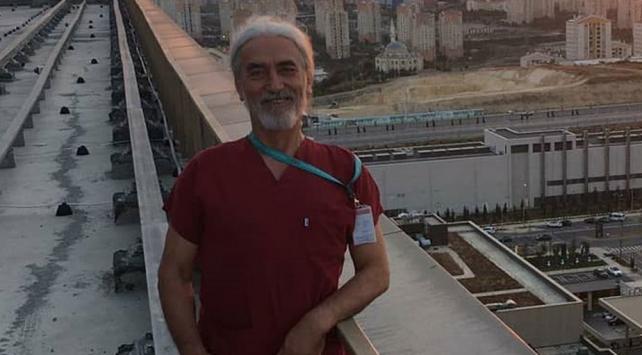 25 yıl sonra eğitimini tamamlayıp doktor oldu, koronavirüse yenik düştü