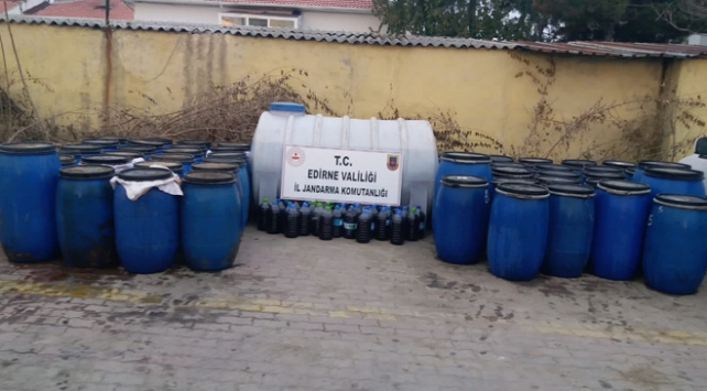 Edirnede 5 bin 650 litre sahte içki ele geçirildi