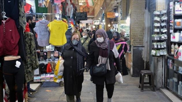 İranda 2 haftalık kısıtlamanın ardından esnaf yeniden kepenk açtı