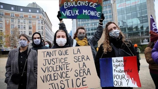 Brükselde ırkçılık ve polis şiddeti karşıtı protesto